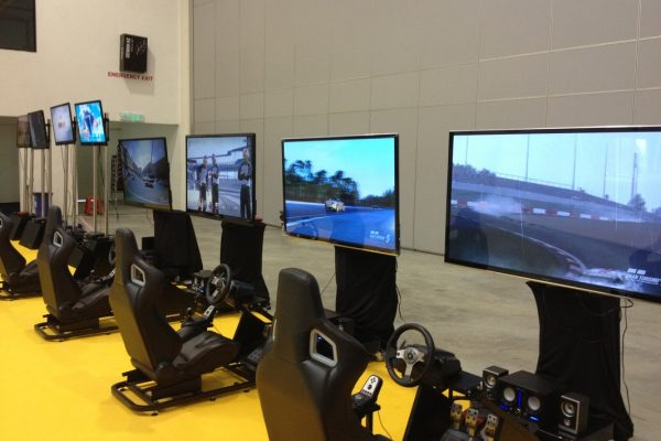 RACING SIMULATOR4